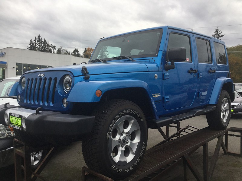 Pre-Owned 2015 Jeep Wrangler Unlimited 4d Convertible Sahara