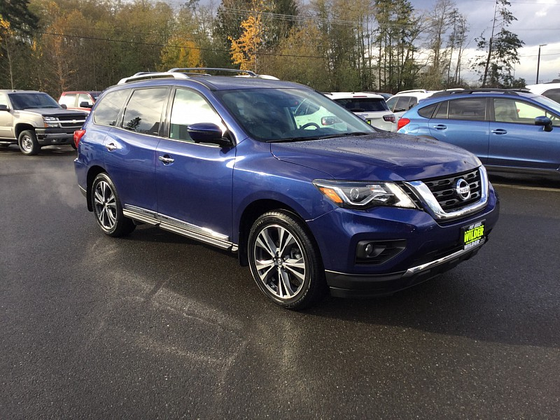 Pre Owned 2017 Nissan Pathfinder 4d Suv 4wd Platinum